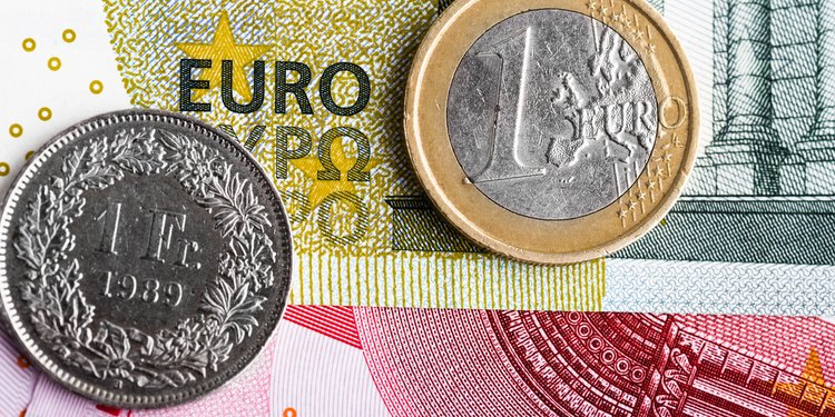 Did a Forbes Investment Writer Really Recommend Swiss Francs?