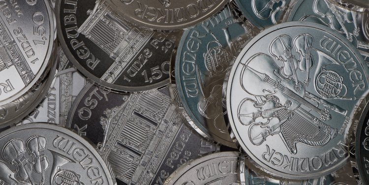 Why is JP Morgan Stockpiling Physical Silver?